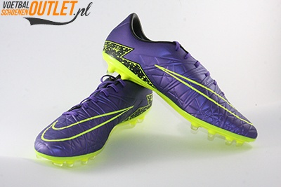 Nike Hypervenom Phatal paars voor- en zijkant (749893-550)