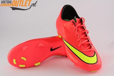 Nike Mercurial Victory rood voor- en onderkant (651632-690)