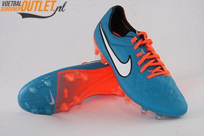 Nike Tiempo Legend blauw oranje voor- en onderkant (631518-418)