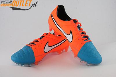 Nike Tiempo Legend blauw oranje voor- en zijkant (631518-418)