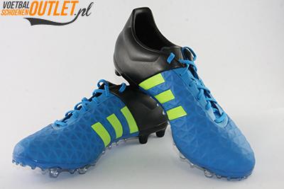 Adidas Ace 15.2 blauw voor- en zijkant (B32833)