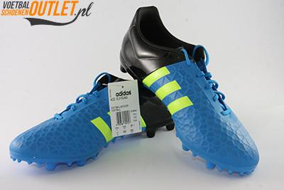 Adidas Ace 15.3 blauw zwart voor- en zijkant (B32848)