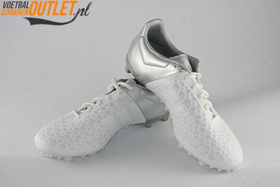 Adidas Ace 15.3 wit zilver voor- en zijkant (S83242)