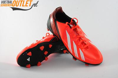 Adidas Adizero F10 rood zwart kids voor- en onderkant (Q33868)