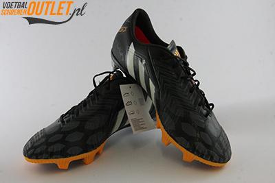 Adidas Predator Instinct zwart grijs voor- en zijkant (M22227)