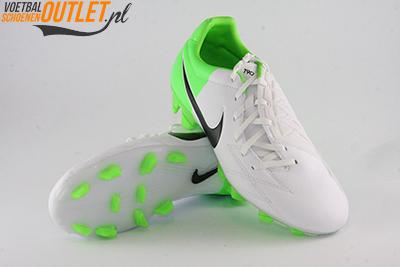 Nike T90 Strike wit groen voor- en onderkant (472562-170)
