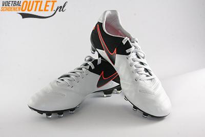 Nike Tiempo Legacy wit zwart voor- en zijkant (819218-001)