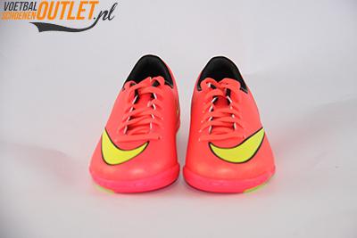 Nike Mercurial Victory rood kids (IC) voorkant (651639-690)