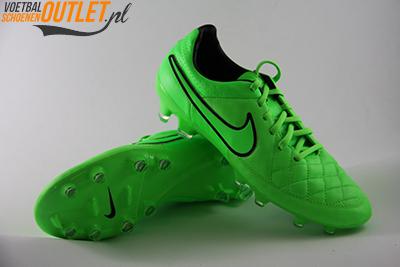 Nike Tiempo Legend groen voor- en onderkant (631518-330)