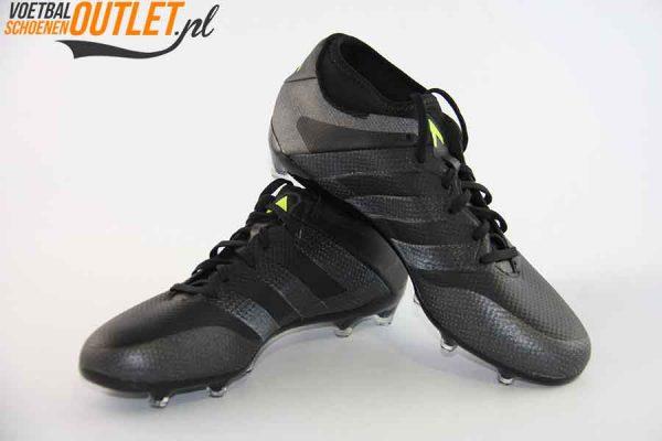 Adidas Ace 16.2 zwart voor- en zijkant (AQ3449)