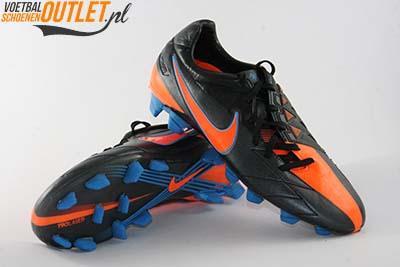 Nike T90 Laser zwart oranje voor- en onderkant (472555-084)