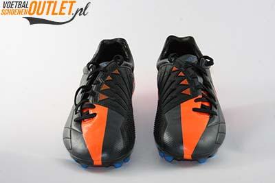 Nike T90 Laser zwart oranje voorkant (472555-084)