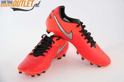 Nike Tiempo Mystic rood voor- en zijkant (819236-608)