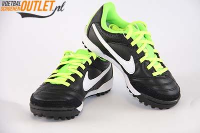 Nike Tiempo Natural zwart kids (TF) voor- en zijkant (509084-013)
