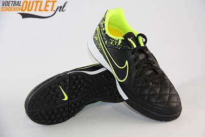 Nike Tiempo Genio zwart leer kids (TF) voor- en onderkant (631529-007)