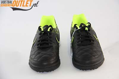 Nike Tiempo Genio zwart leer kids (TF) voorkant (631529-007)