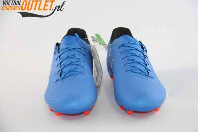 Adidas Messi 16.3 blauw voorkant (S79632)