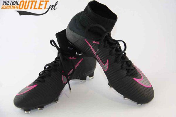 Nike Mercurial Superfly zwart kids met sok voor- en zijkant (831943-006)