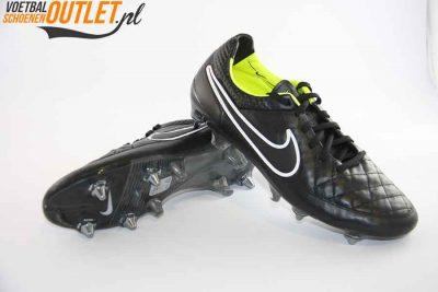Nike Tiempo Legend zwart schroefnop voor- en onderkant (631614-017)