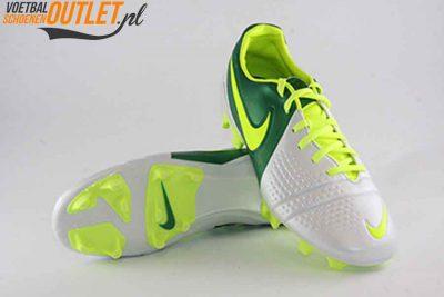 Nike Trequartista III wit groen voor- en onderkant (525162-173)
