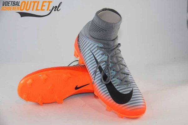 Nike Mercurial Superfly kids grijs oranje voor- en onderkant (852483-001)